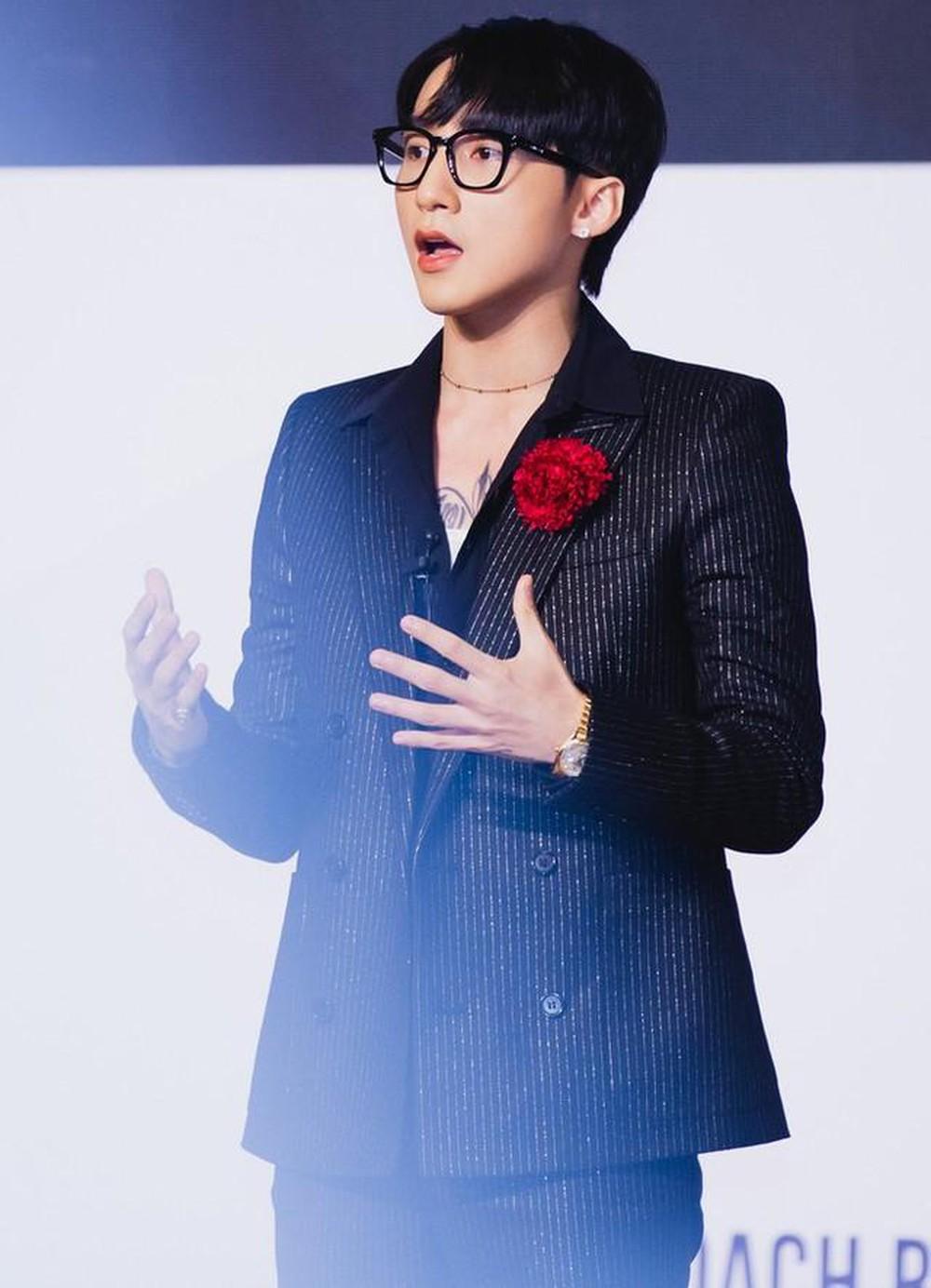 K-ICM làm giám đốc từ thời hát đám cưới, Sơn Tùng - Hương Giang xứng danh 'chủ tịch nhà người ta' 0