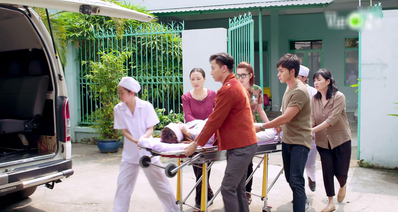 'Gạo nếp gạo tẻ 2' tập 40: Thiên Long 'dòm ngó' vợ bạn, Bảo Trâm hóa diêm dúa khiến chồng bẽ mặt trước mọi người 0
