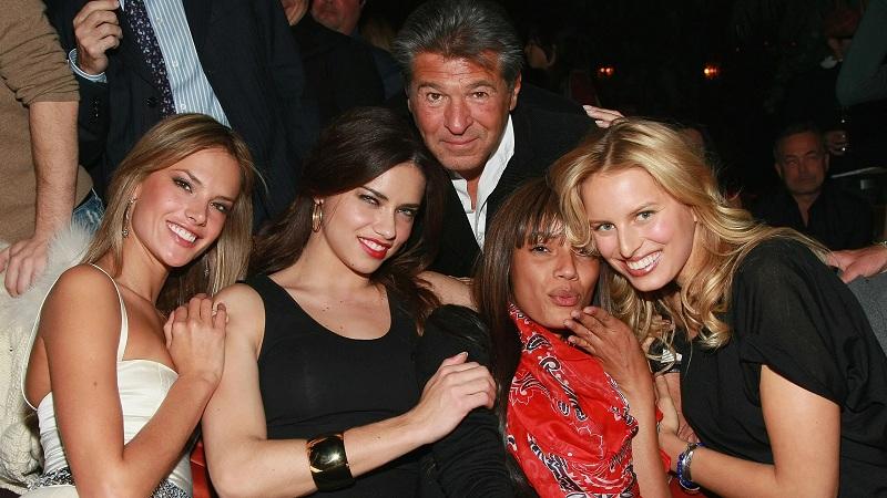 Bằng chứng Ed Razek - cựu giám đốc điều hành thương hiệu nội y Mỹ tiếp cận, cưỡng hôn, yêu cầu được người mẫu ngồi lên đùi, gạ gẫm, quấy rối các người mẫu, trong đó có nhiều người nổi tiếng đã được đưa ra ánh sáng. Trong 27 năm làm việc cho Victoria's Secret, người đàn ông này còn dùng lời lẽ miệt thị, xúc phạm cơ thể của nhân viên.