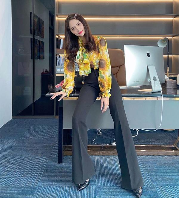 'Bóc giá' loạt outfit của Hoa hậu Hương Giang: Toàn chi hàng trăm triệu, có set lên đến 1,5 tỷ đồng 3