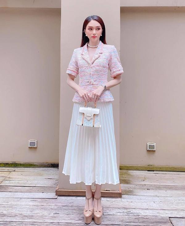 'Bóc giá' loạt outfit của Hoa hậu Hương Giang: Toàn chi hàng trăm triệu, có set lên đến 1,5 tỷ đồng 8
