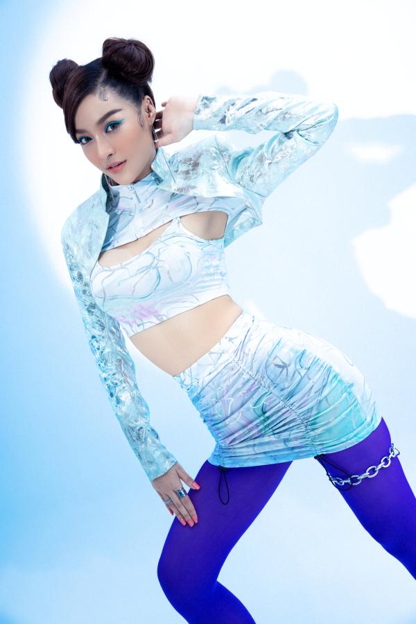 Á hậu Kiều Loan cực chất với hình ảnh nữ rapper 0