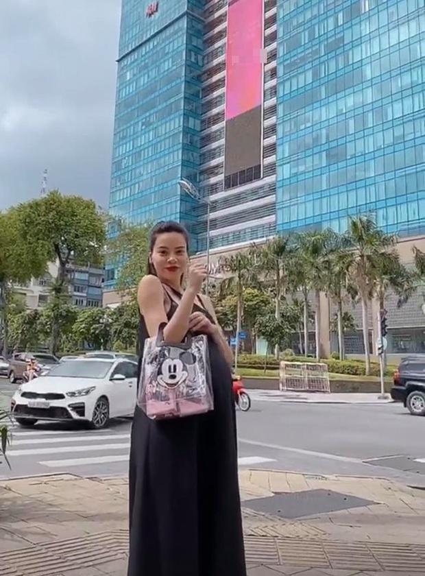 Ơn giời, ngày này đã đến, Hà Hồ cuối cùng cũng chịu công khai mang thai với bạn trai Kim Lý!