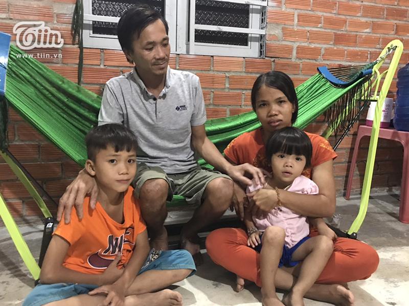 Chiều tối 17/9 có lẽ là ngày hạnh phúc nhất của gia đình anh Tâm (người đàn ông bị rắn cắn) khi chính thức xuất viện về nhà.