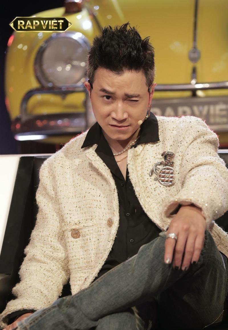'Rap Việt': Fan khóc thét, Wowy cảm thán 'quá xa xỉ' khi Karik ghép cặp thi đấu 'một mất một còn' 1