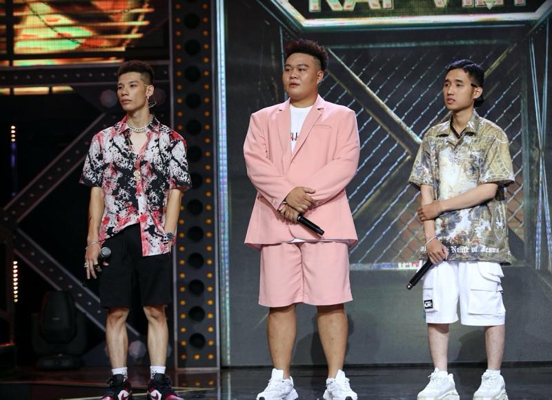 'Rap Việt': Fan khóc thét, Wowy cảm thán 'quá xa xỉ' khi Karik ghép cặp thi đấu 'một mất một còn' 3