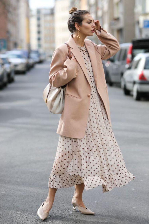 Cách mix màu pastel với trang phục trung tính rất dễ dàng, nàng nào cũng có thể áp dụng
