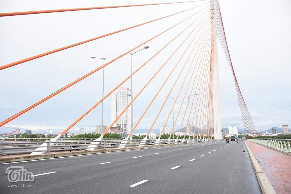 Cầu Trần Thị Lý.