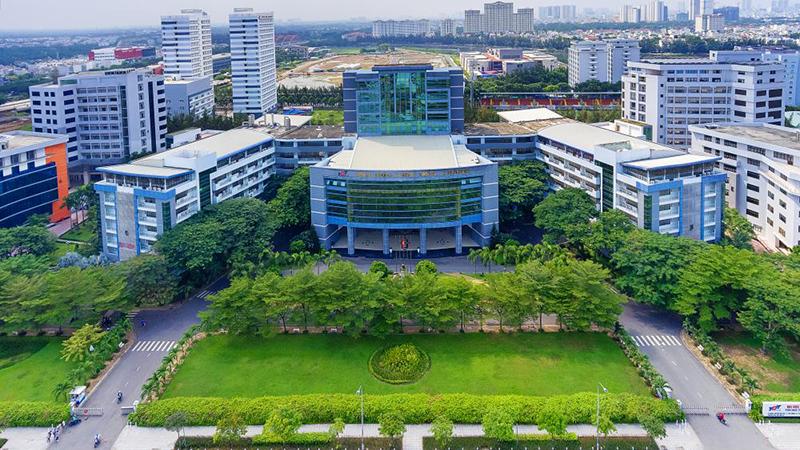 Sinh viên Đại học Tôn Đức Thắng ra trường đợt tháng 9/2002 sẽ được cấp giấy chứng nhận tốt nghiệp tạm thời để chờ hiệu trưởng mới