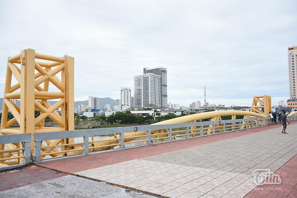 Bất ngờ 'nổi tiếng' do sự kiện hy hữu trong bão số 5, cây cầu ở Đà Nẵng thành điểm đến hot 15