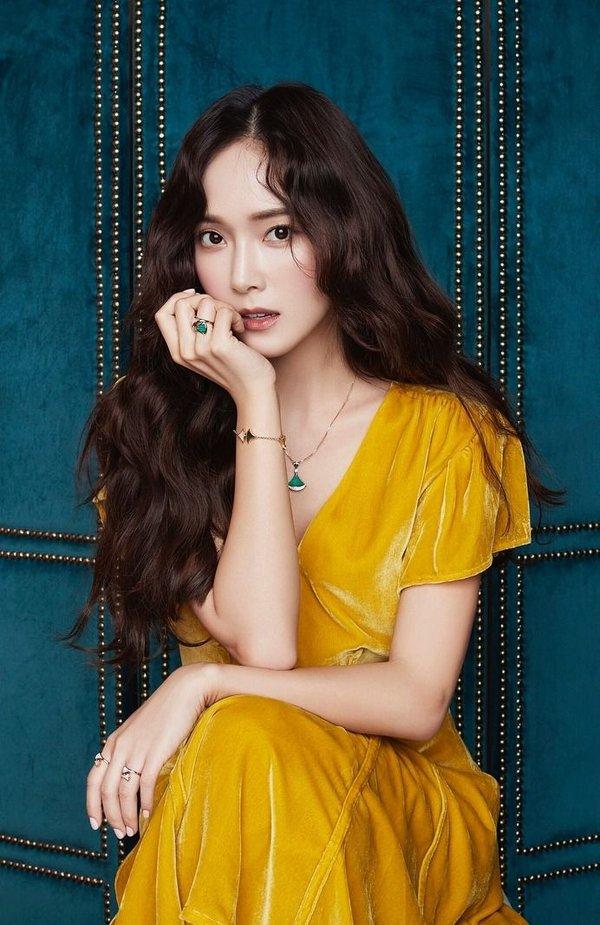 Bất chấp nghi vấn 'đá đểu' SM và SNSD, Jessica rục rịch chuyển thể 'Shine' thành phim.