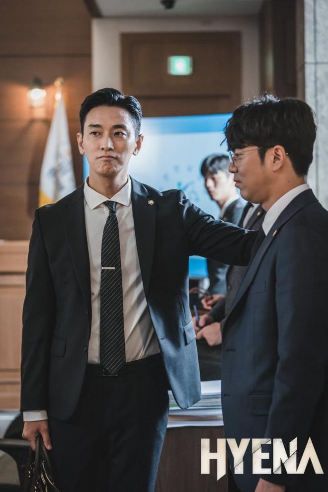 'Thế tử' Joo Ji Hoon gây tranh cãi khi nhận được mức catxe cao nhất giới truyền hình Hàn Quốc? 1
