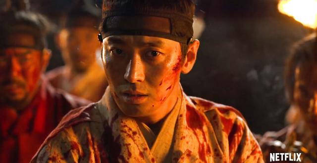 Trong đầu năm 2020, Joo Ji Hoon ghi dấu ấn với 2 tác phẩm Hyena và Kingdom. Ở mỗi tác phẩm, diễn xuất linh hoạt của anh đều được đánh giá cao