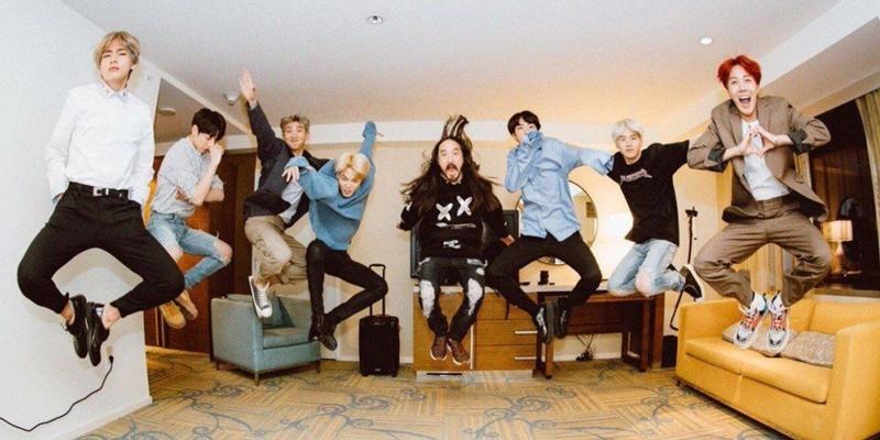 Nhóm nhạc Hàn Quốc từngđạt được chứng nhận vàng tại Canada là BTS với bài hát Waste It On Me hợp tác cùng Steve Aoki và bài hát Boy With Luv.