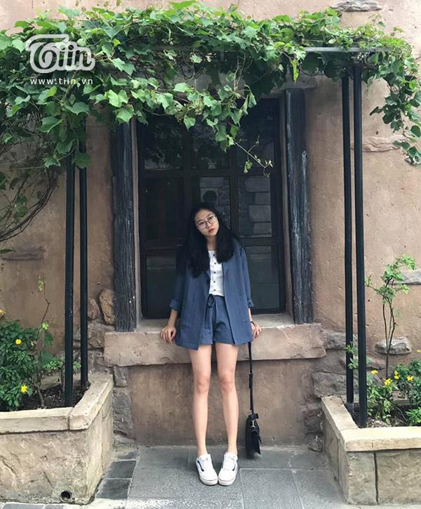 Cô bạn Đà Nẵng được bố may tặng hàng trăm bộ váy: 'Mình và mẹ luôn được mặc hàng thiết kế limited của bố' 0