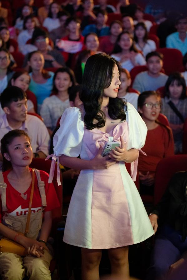 Thu Trang gây bất ngờ khi nắm tay Võ Cảnh trong tập cuối 'Bộ tứ oan gia' 3