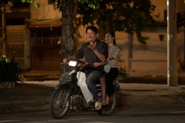 Thu Trang gây bất ngờ khi nắm tay Võ Cảnh trong tập cuối 'Bộ tứ oan gia' 4