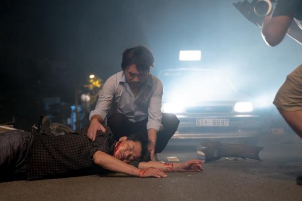 Thu Trang gây bất ngờ khi nắm tay Võ Cảnh trong tập cuối 'Bộ tứ oan gia' 6