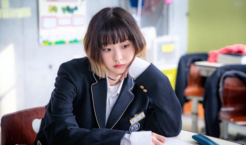 Trend 'điên nữ', 'khùng nam' trên màn ảnh Hàn năm nay: càng điên khùng phim lại càng hot 0