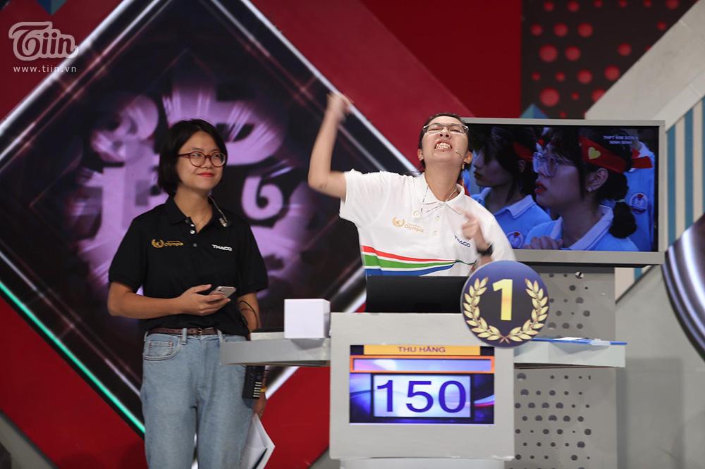 Loạt biểu cảm đáng yêu của Thu Hằng sau khi giải được chướng ngại vật của chương trình