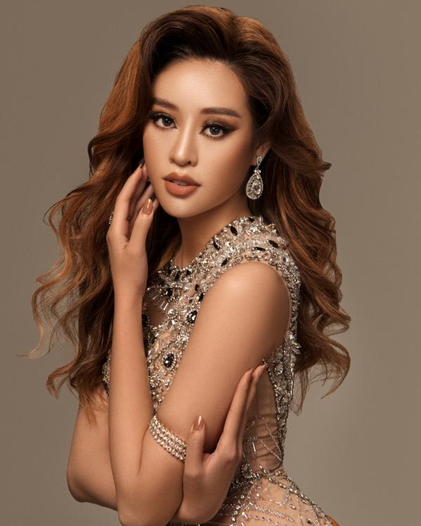 Hoa hậu Khánh Vân biến hoá hình ảnh từ công chúa thành nữ hoàng quyền lực 3