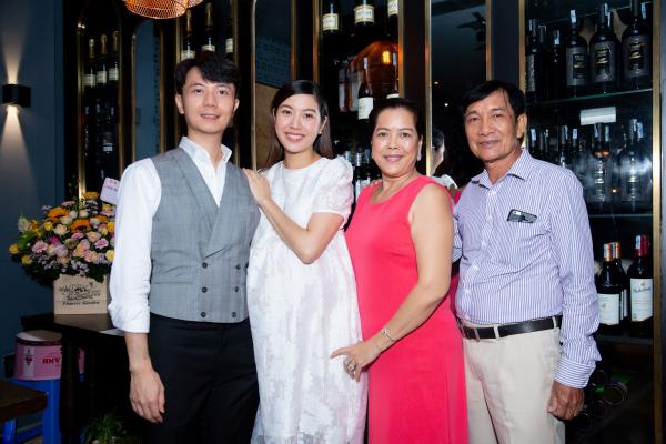 Á hậu Thúy Vân 'bầu vượt mặt' vẫn tổ chức sinh nhật, gây ngạc nhiên cho chồng 3