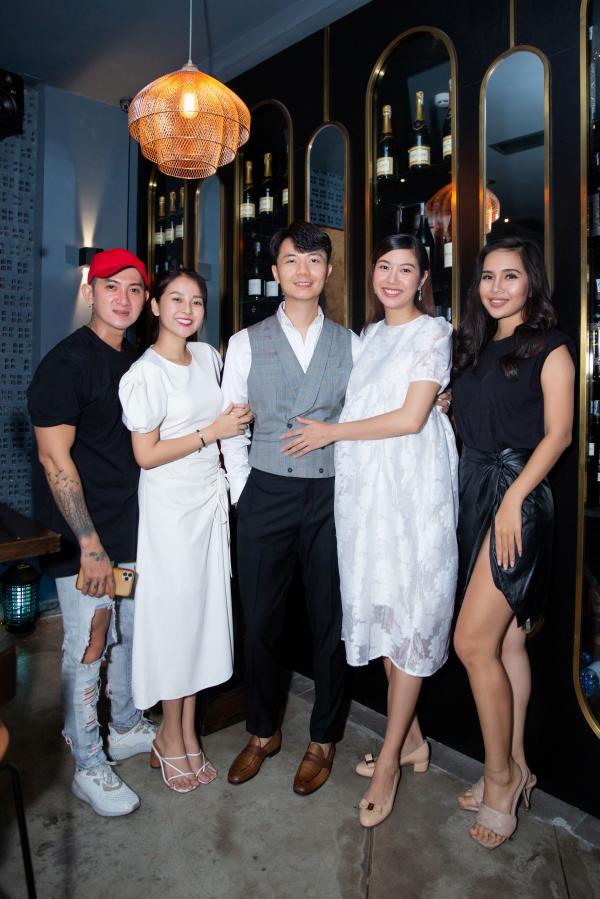 Á hậu Thúy Vân 'bầu vượt mặt' vẫn tổ chức sinh nhật, gây ngạc nhiên cho chồng 2