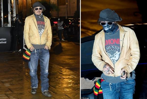 Johnny Depp xuất hiện thật lạ lẫm tại liên hoan phim quốc tế San Sebastian năm 2020. Cách ăn mặc của anh bị đánh giá là hầm hố, kỳ lạ, không theo quy tắc nào.