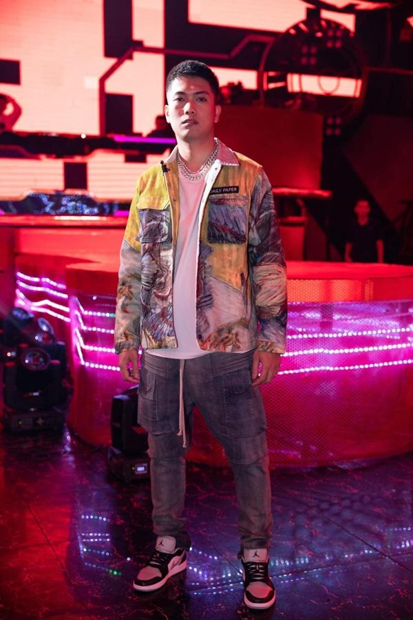 'Bố lớn' BigDaddy diện đồ 'chất lừ' tại King of Rap nhưng không ai ngờ lại mang ý nghĩa sâu xa thế này! 3