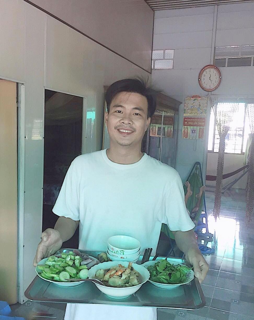 Tài Smile: '5 tháng qua tôi ở nhà nấu cơm, quét dọn, rửa bát' 0