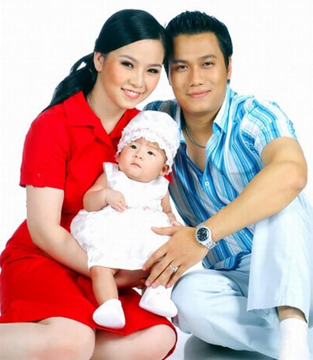 Gia đình nhỏ kín tiếng của Việt Anh cách đây hơn 10 năm