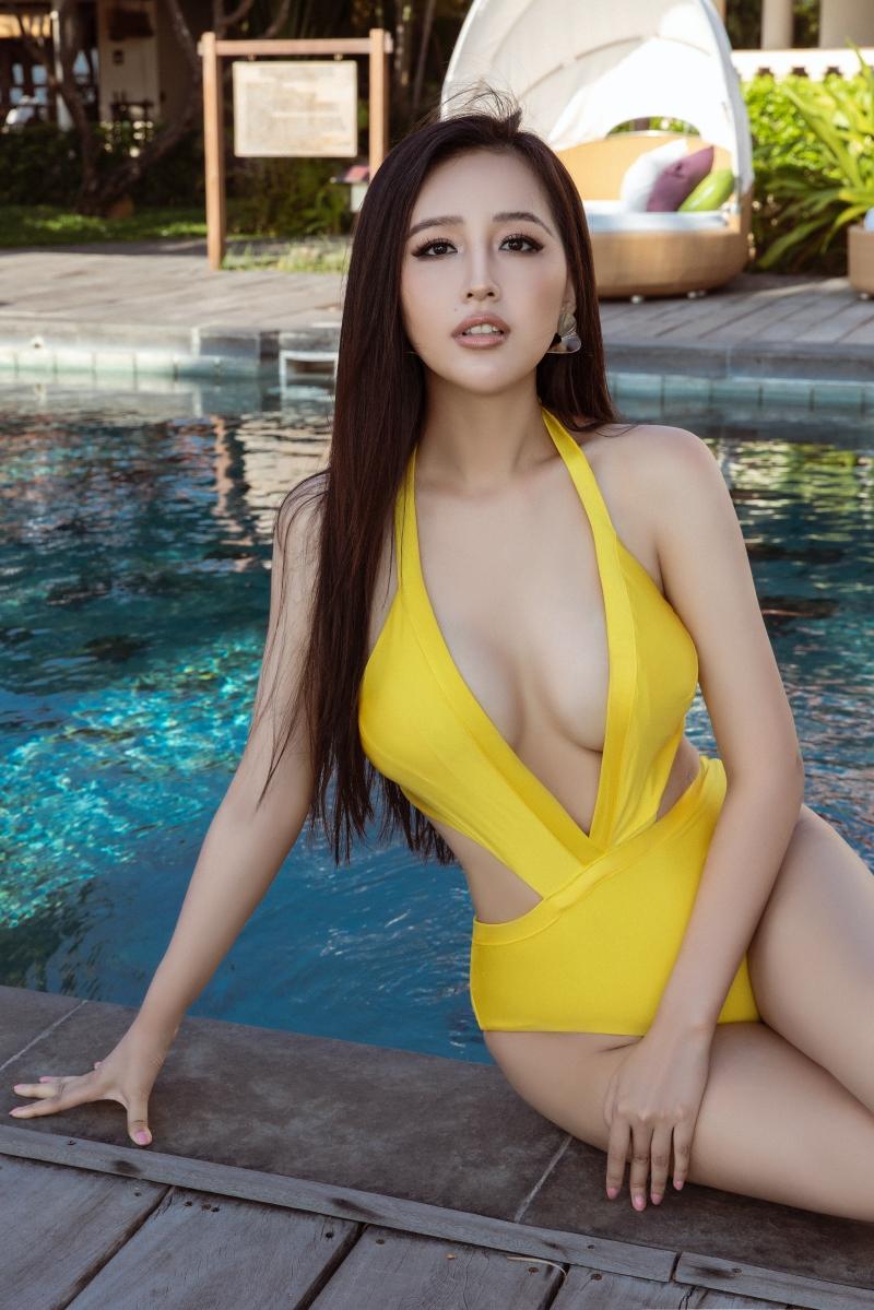 Mai Phương Thúy hiếm hoi khoe dáng trong bikini một mảnh, hé lộ số đo 3 vòng đáng ngưỡng mộ 3