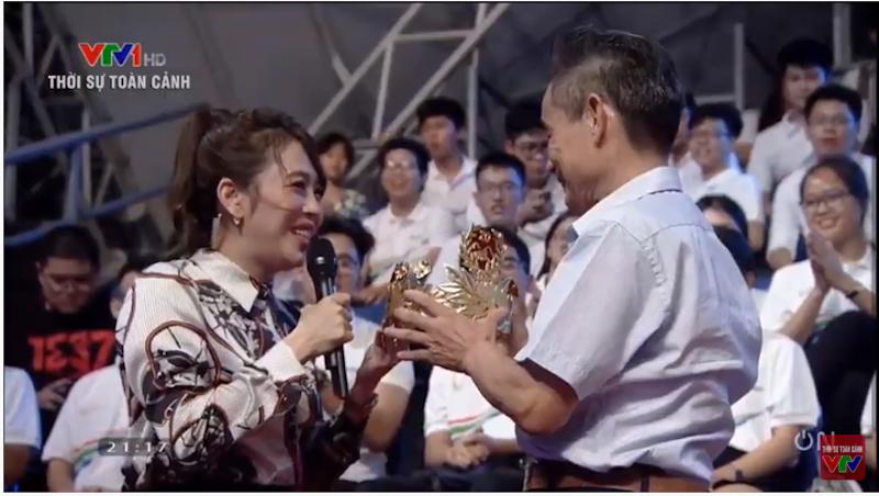 Người sáng chế vòng nguyệt quế Olympia 2020 viết thư động viên Thu Hằng: 'Mong cháu tiếp tục bản lĩnh' 1