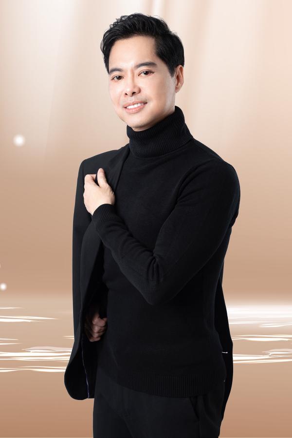 Sau khi bị té, clip đàn hát của Ngọc Sơn 'gây sốt' mạng xã hội 3