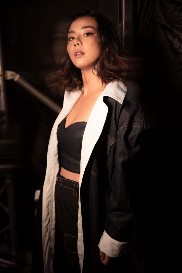 Lại Thanh Hương sắc lạnh khi mở màn trong show thời trang 3