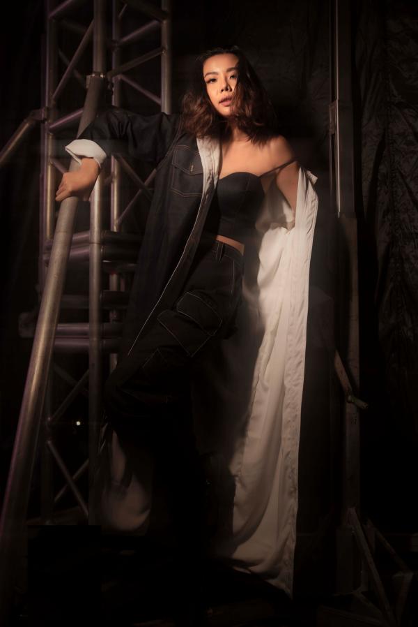 Lại Thanh Hương sắc lạnh khi mở màn trong show thời trang 4