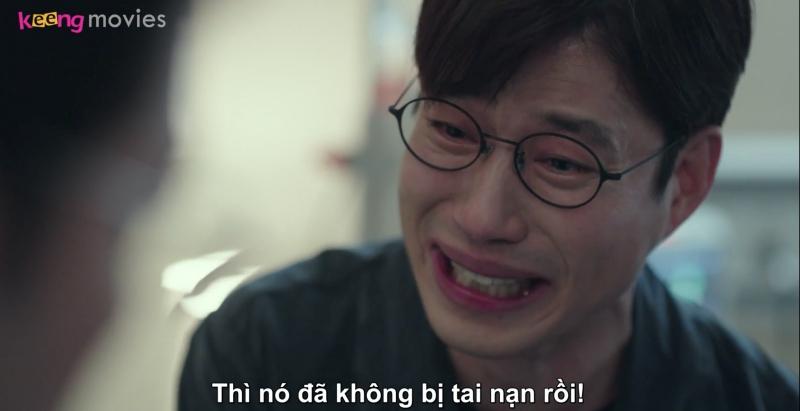 Goong Chul rất hối hận, anh nghĩ rằng, vì mình nói cho Yoo Bin nghe chuyện ly hôn mà cậu bé mới bị tai nạn