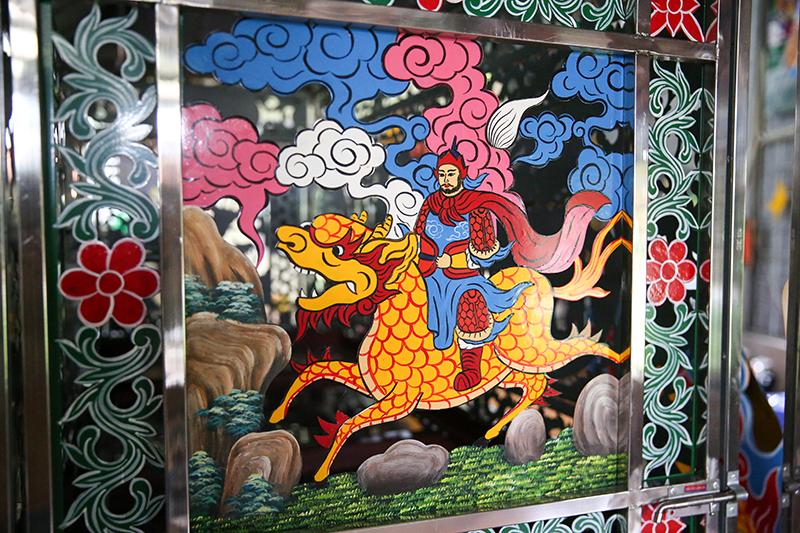 Lớp trẻ Sơn Đồng quyết tâm 'giữ lửa' truyền thống nghề sơn son thếp vàng của cha ông 11