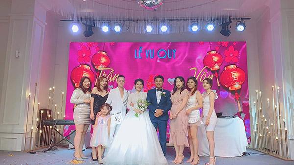 Đội bạn lên đồ lồng lộn, 'quẩy banh nóc' mừng đám cưới bạn thân bị chê 'làm lố', cô dâu chính thức lên tiếng 8