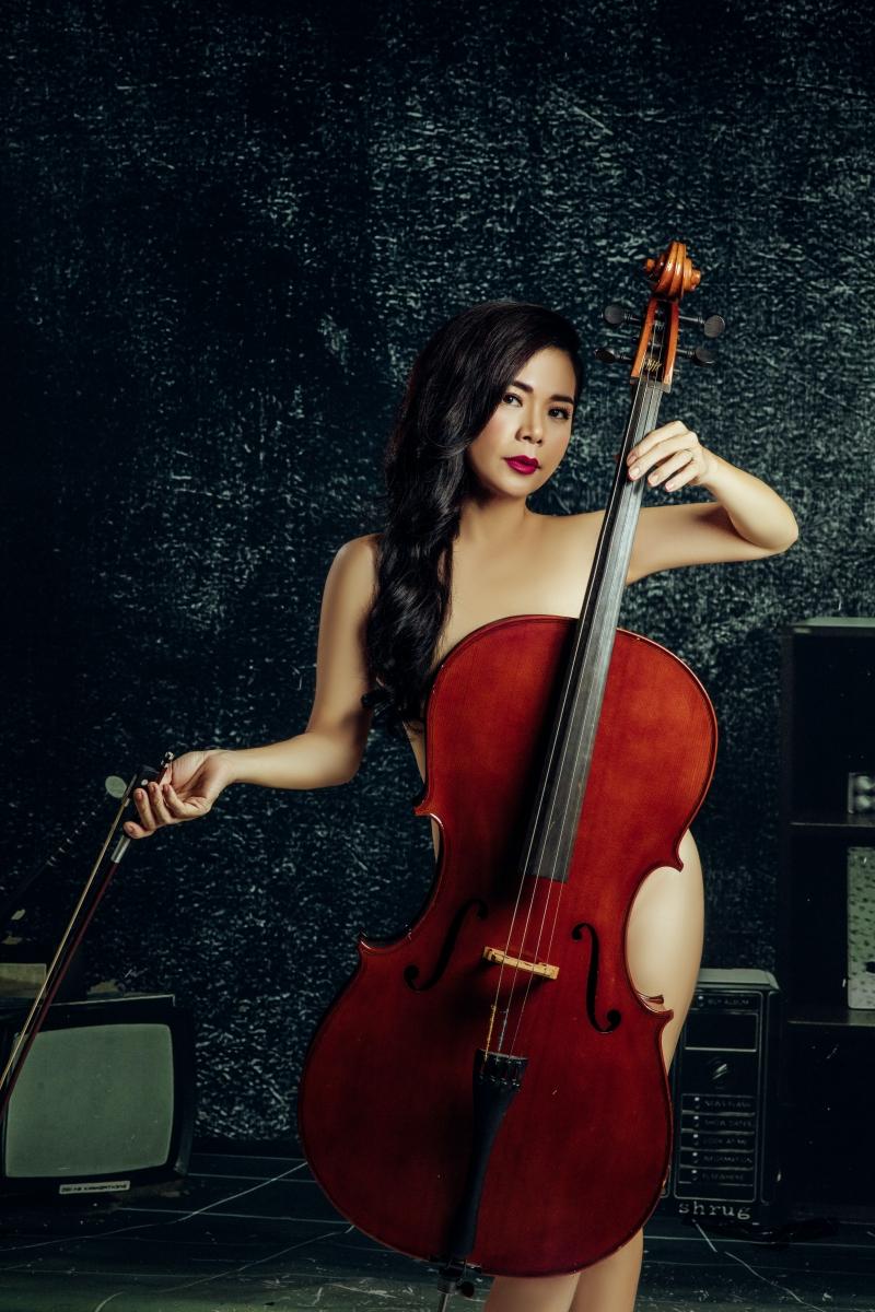 Mỹ Lệ chụp ảnh nude bên cây đàn cello ở ngưỡng U50, chuẩn bị trở lại showbiz 0