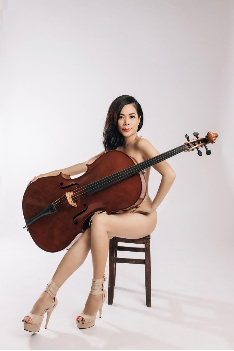 Mỹ Lệ chụp ảnh nude bên cây đàn cello ở ngưỡng U50, chuẩn bị trở lại showbiz 2