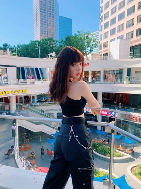Jannine Weigel: Từ 'hotgirl cover' sở hữu hàng trăm triệu view 'lột xác' thành nữ ca sĩ cá tính quyến rũ 8