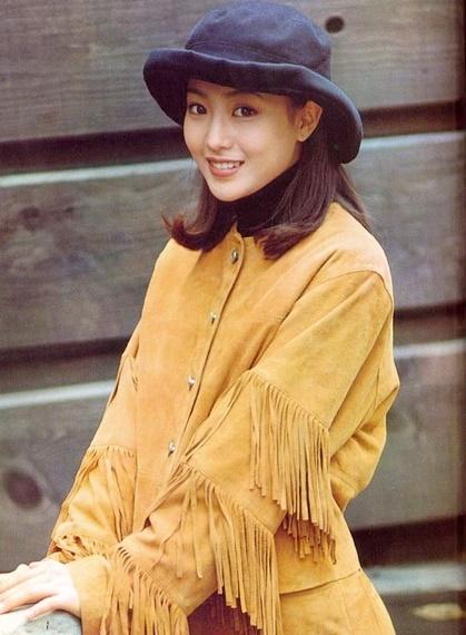 Vẻ đẹp thanh thuần của Kim Hee Sun thời trẻ.