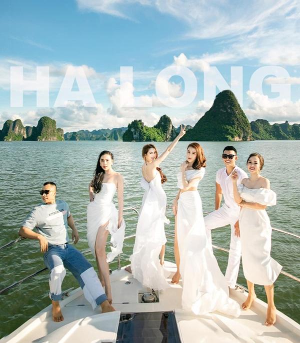 Mới đây, Ngọc Trinh và team của mình đã có chuyến vi vu đến Hạ Long, mở tiệc tưng bừng trên du thuyền. Cả hội rủ nhau lên dress code tông trắng tinh khôi với những chiếc đầm thiết kế bay bổng, quyến rũ.