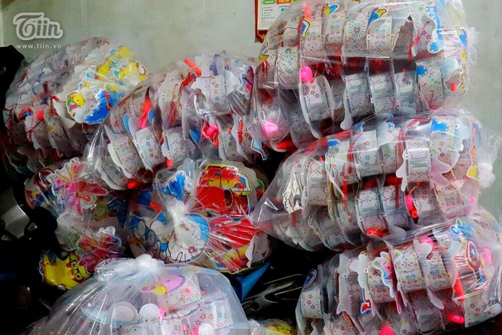 Những lô hàng được đóng gói chuẩn bị xuất ra thị trường