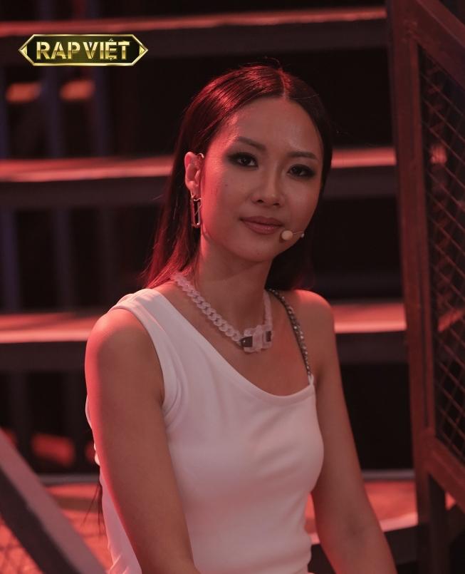 Hot: Team Suboi khiến dân tình đồng tình réo gọi Nón Vàng cuối cùng từ 'Hoàng tử nước ngọt' Karik 3