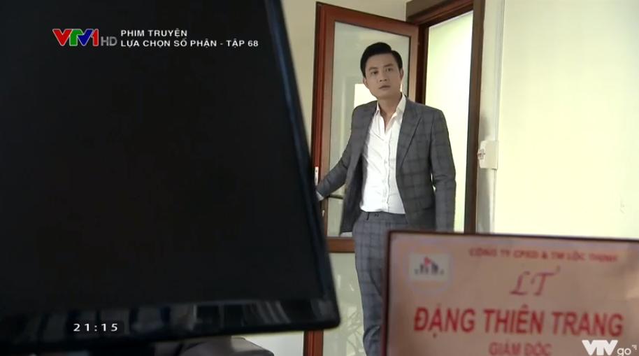 'Lựa chọn số phận' tập 68: Tiến Lộc nổi máu dê, cưỡng hôn Phương Oanh khiến chị đại 'chia tay vội' 0