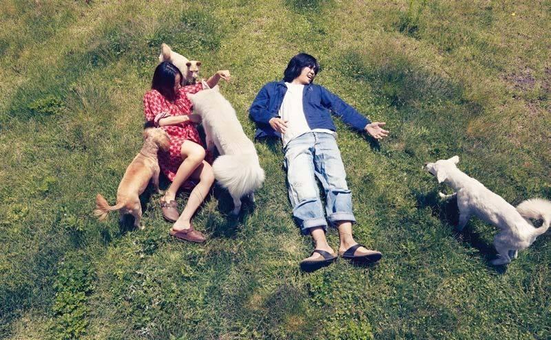 Cô tận hưởng cuộc sống bình dị bên chồng và đàn thú cưng