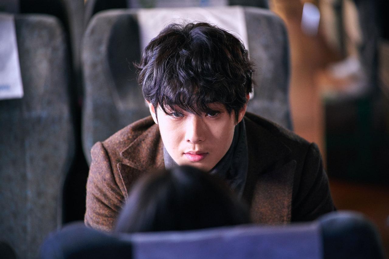 Hãng Warner Bros. rút khỏi Hàn Quốc, tương lai siêu phẩm 'The Witch' có Kim Da Mi và Choi Woo Sik về đâu? 2