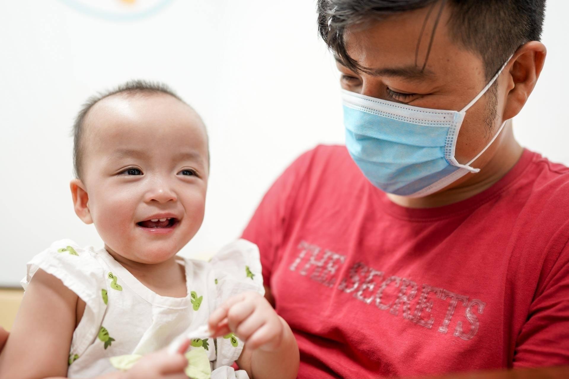 Sức khỏe của hai chị em tiến triển ổn định, đã được tiêm ngừa các mũi cơ bản để sẵn sàng trở về nhà